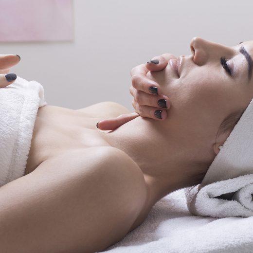 Peeling kawitacyjny z maską